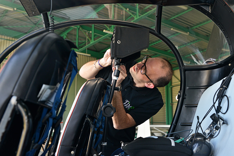 Time Prod Installation de matériel vidéo dans un hélicoptère Alouette 2
